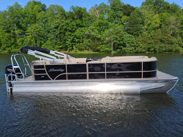 22' Bentley Black Pontoon Boats